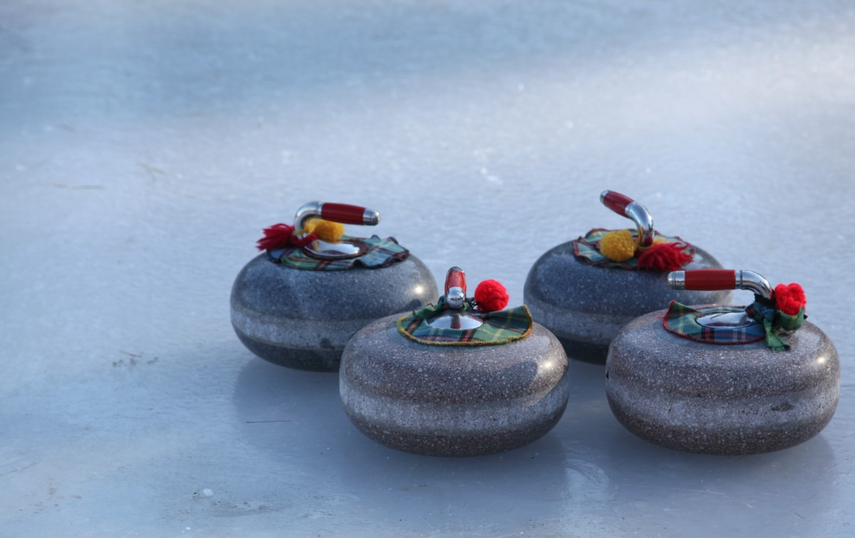 curling_bonspiel_winter_sport_ice_rink_stones-866647.jpg!d